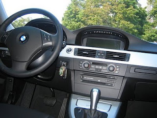 autos review 2006 bmw 325i interior black leather aluminum trim. Black Bedroom Furniture Sets. Home Design Ideas