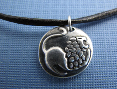 silver leo lion courage charm hint jewelry