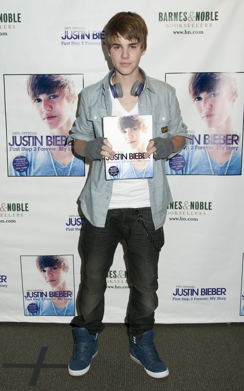 Justin Bieber promoting at Barnes and Noble in NYC