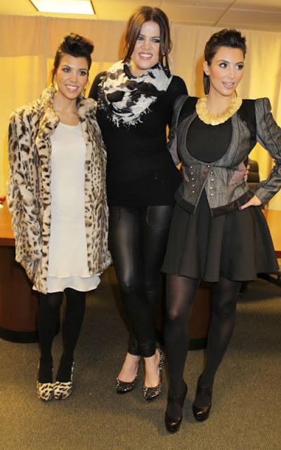 Kim, Kourtney and Khloe Kardashian out at Barnes & Noble