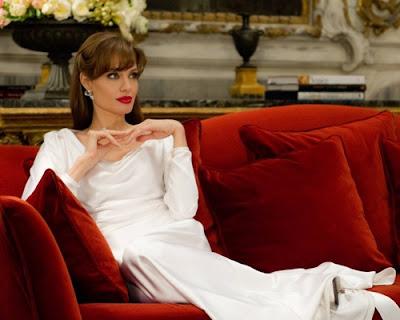 Angelina Jolie New Tourist Pics
