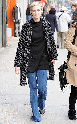 Ashlee Simpson shopping on Melrose Avenue