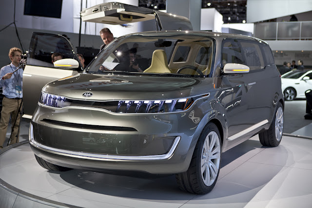 Kia KV7 Concept Photos