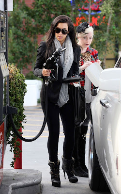 Kim Kardashian gassing up in Glendale