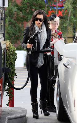 Kim Kardashian gassing up in Glendale