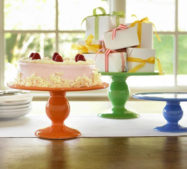 CAKE Creative Co.: Guest Post: Cupcake Stand Standoff