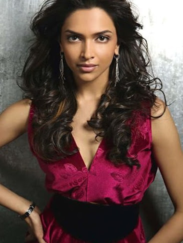 hot-sexy-indian-desi-heroine-bollywood-actress-deepika-padukone