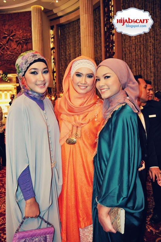 http://4.bp.blogspot.com/_0PcXuJGtJXI/TTV32Ahsc6I/AAAAAAAABxw/A1Y2jdHOnFU/s1600/Hijab%2BScarf%2B7.jpg