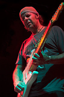 Biografía y fotos de Javier Vargas y Vargas Blues Band