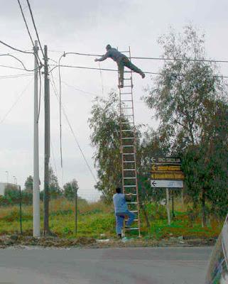 http://4.bp.blogspot.com/_0Tb7pgLSOUQ/Sg0Xlj2WDVI/AAAAAAAADH4/e14coTW2RaE/s400/ladder.jpg