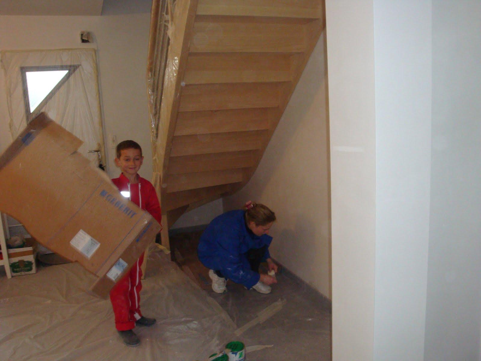 Maison des bretons d 39 adoption sous l 39 escalier for Amenagement dessous d escalier