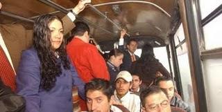 [Interior de un bus colectivo]