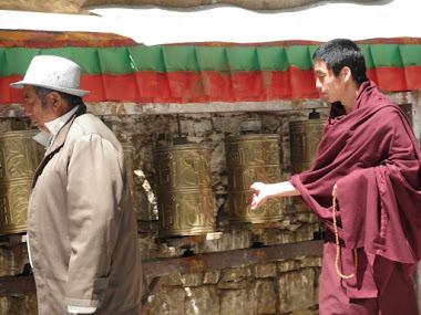 Tibet inside. Il Kora del Potala