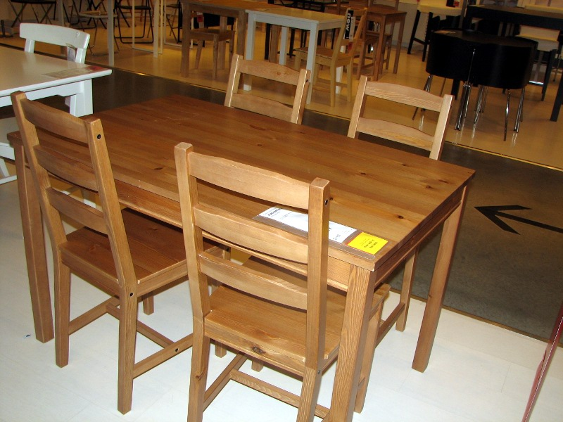 Dining table ikea kitchens dining tables for Kitchen set from the 90 s