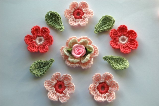 Crocheting A Flower : Crocheting Club: Crochet Flowers