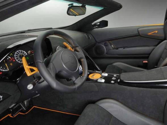 2010 Lamborghini Murciélago LP650-4 Roadster Interior