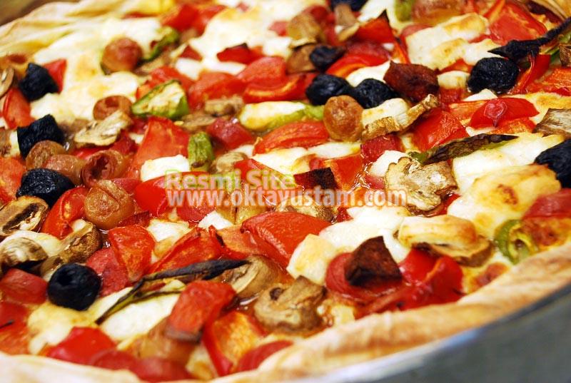 Oktay Usta Yufkalı Pizza Tarifi