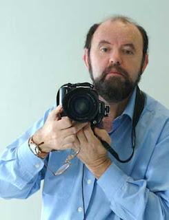 Paco Sánchez. Treinta retratos, en homenaje a los treinta años de vida de la Bienal