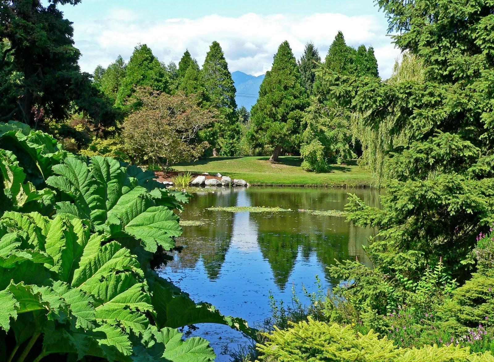 http://4.bp.blogspot.com/_0cQvKcG8fOQ/TRx30WirknI/AAAAAAAAAEQ/3j5dkfdRMAA/s1600/VanDusen_Botanical_Garden_1.jpg