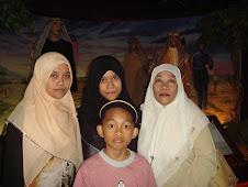 Akak Ida, Mimi, Amin & Mummy~