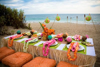 Paper Doll Romance: Tips for the Maid of Honor: Luau Bridal Shower