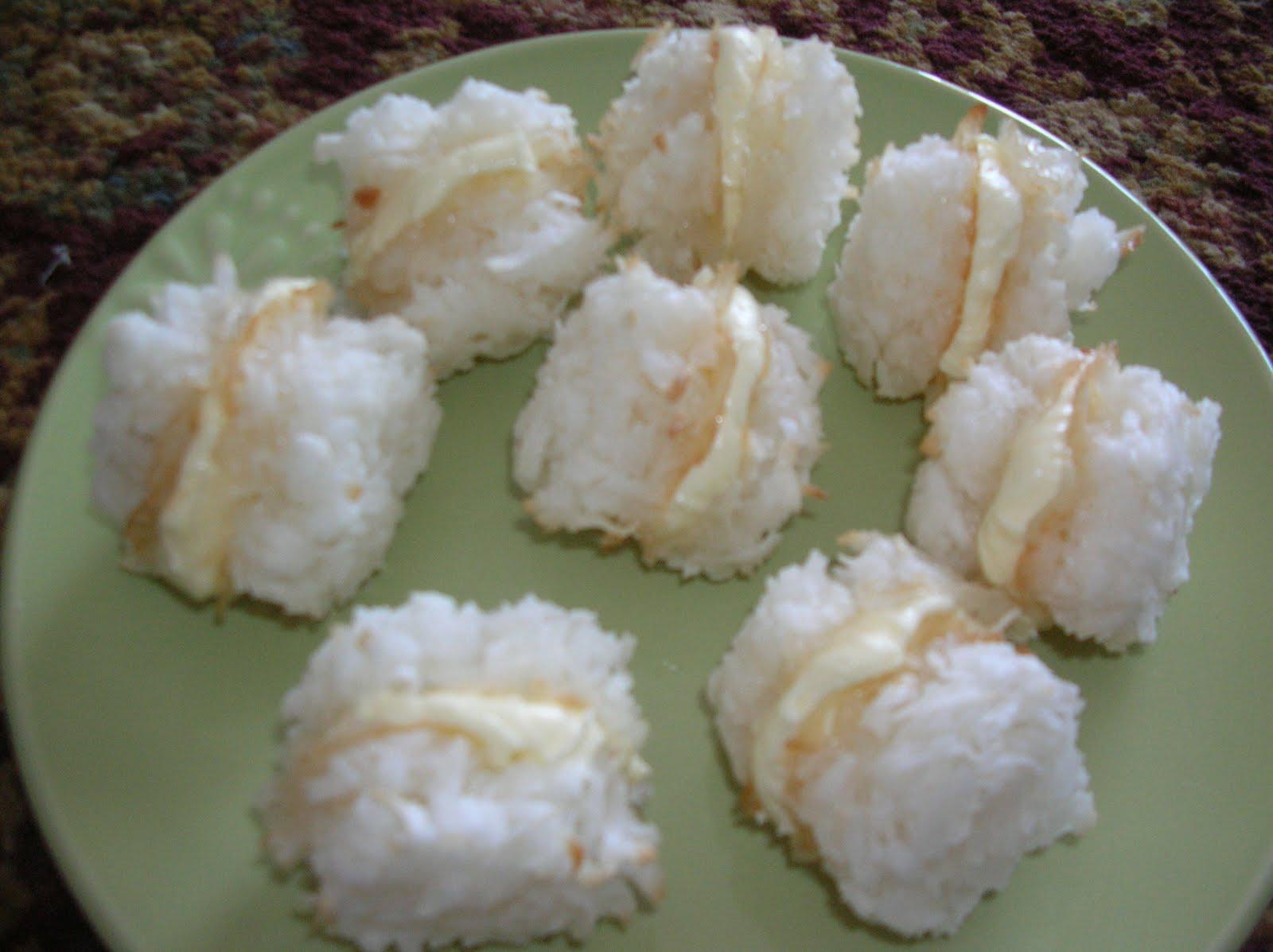 Year of Cookies: Cookie Recipe #121 - Coconut Cream-Filled Macaroons