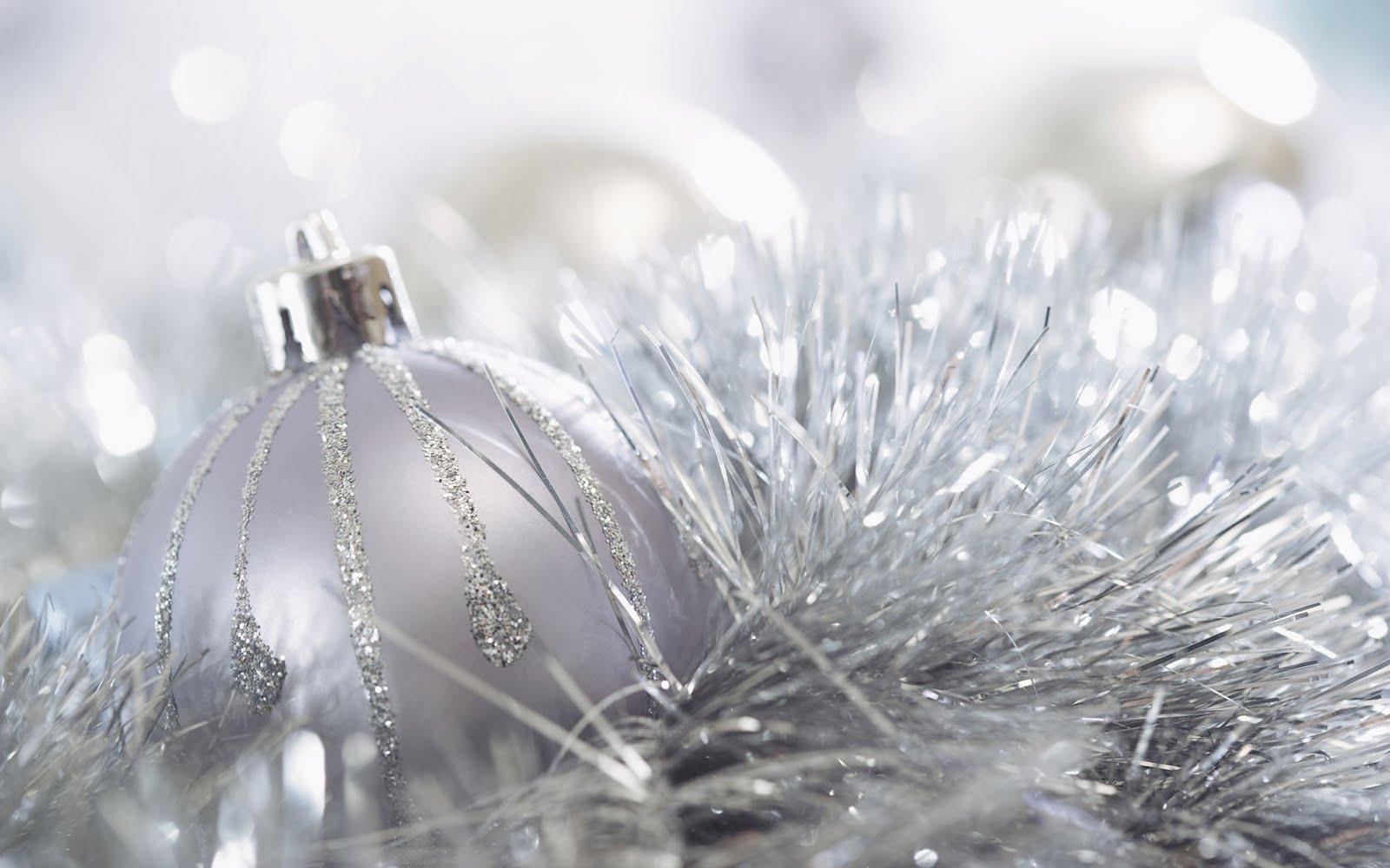 http://4.bp.blogspot.com/_0fvCOMn2z78/TGJp2uylwNI/AAAAAAAAD_M/8pKGYP2zYTI/s1600/Wallpaper.+White+Christmas.JPG