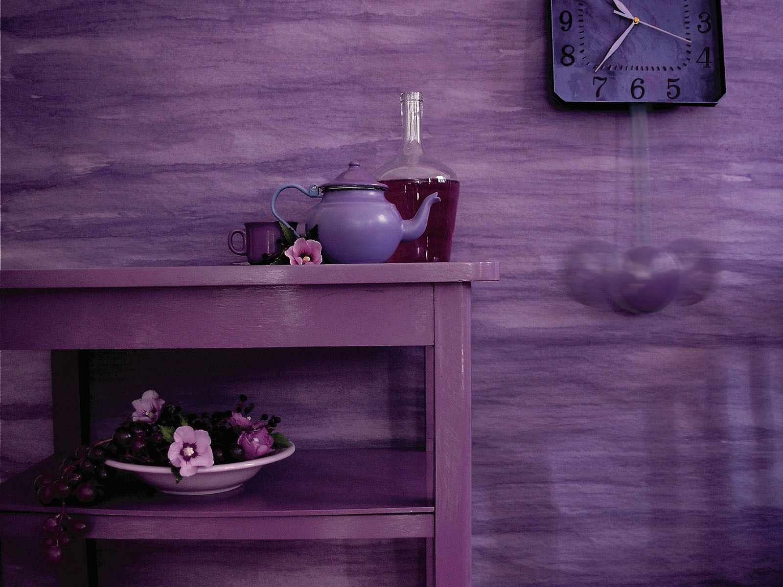 Pink And Purple Wallpaper For A Bedroom Wallpaper View Wallpaper In A Room