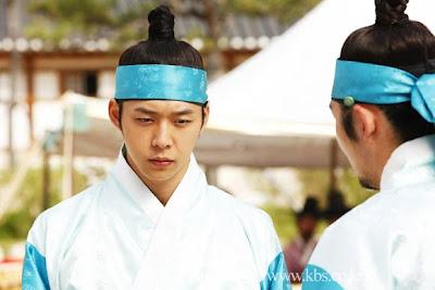 Won Tak kaget dengan perkelahian Sun Joon dan Jae Shin
