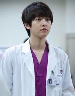 Nama : 송중기 / Song Joong Ki (Song Jung Ki)
