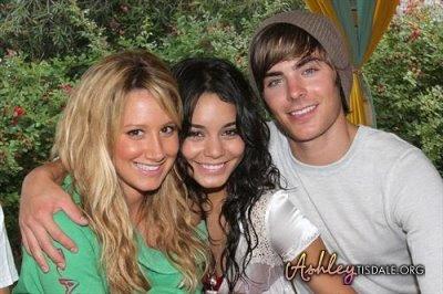 Vanessa and Ashley sa Zacom - Page 2 Ashley-tisdale-23rd-birthday-15