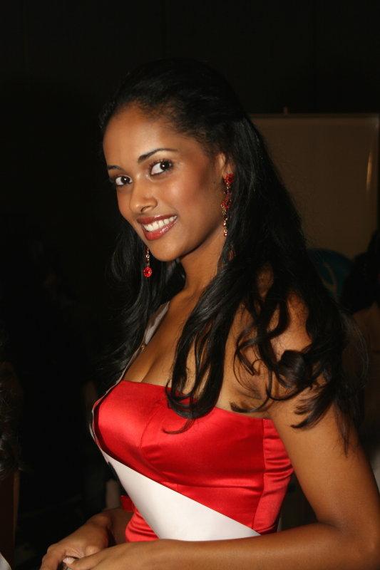 Miss Angola 2007, elegância e sofisticação.