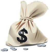 Mujer encontró bolso con $ 15 millones en un cajero y lo entregó a Carabineros