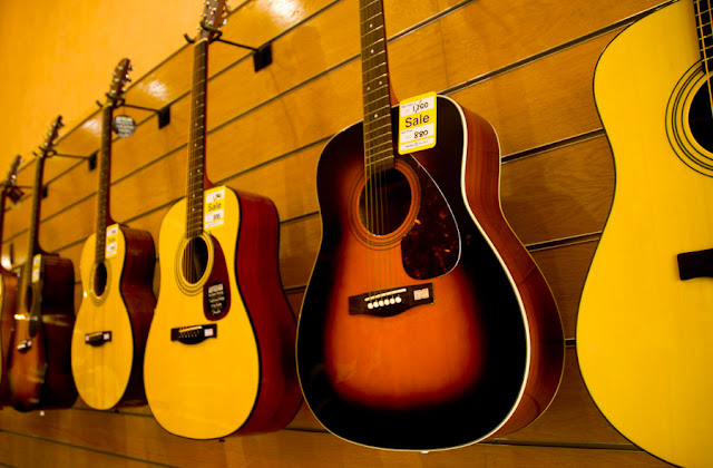 Yamaha guitars