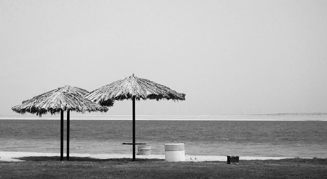 Nakheel beach. … deserted in the late morning. Temperature was hovering in the low 40 Cs.