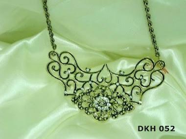 DKH 052