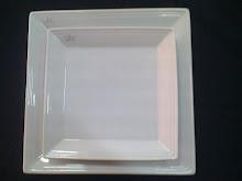 Tendencia: Platos Cuadrados en Porcelana Blanca