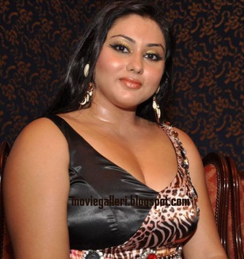 South Indian Sex Bomb Namitha in Chennai Fashion Week.