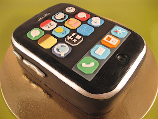 Edible Cake Images Iphone : Home Sweet Homewrecker: iPhone Birthday Cake with Cupcake App