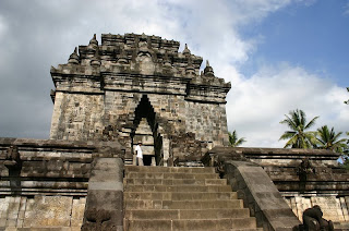 Founded Mendut By Dynasty Sailendra On 8th Century AD 1