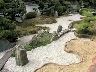 Desde mi ptica cuento zen el samurai y el pescador for Caminerias de jardin