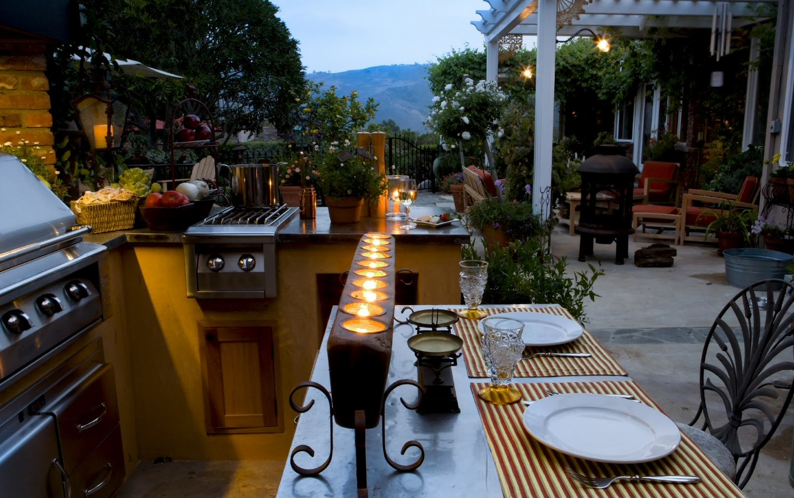 Creatively Placing Candles In An Outdoor Space Can Make Any Garden Room  Inviting And Relaxing. It Is Recommended That You Use Either Unscented  Candles Or An ...