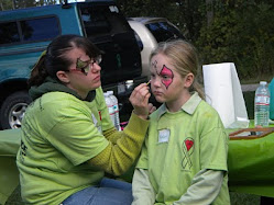 My daughter facepainting at the 2010 Illinois Lymewalk