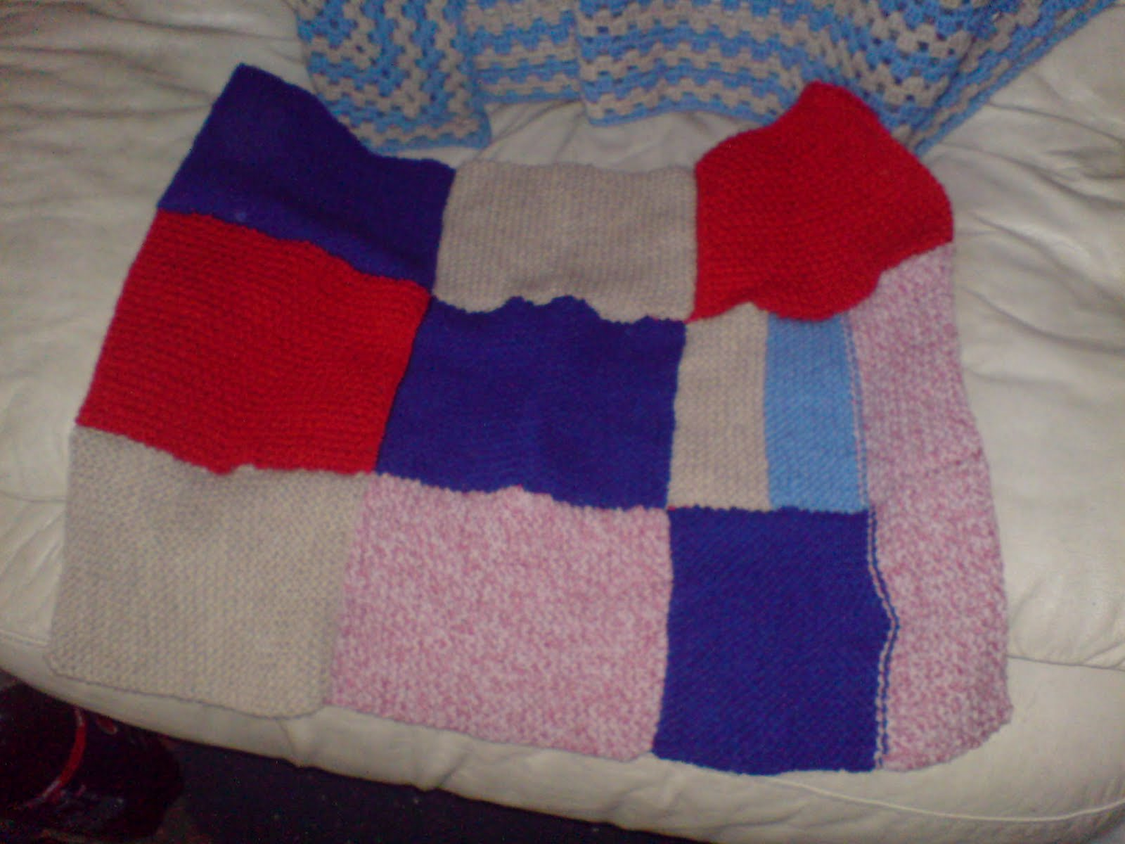 Rspca Knitting Patterns For Dogs : HANDMADE BY LILACANGLIA: A couple of blankets I have knitted for my local ani...