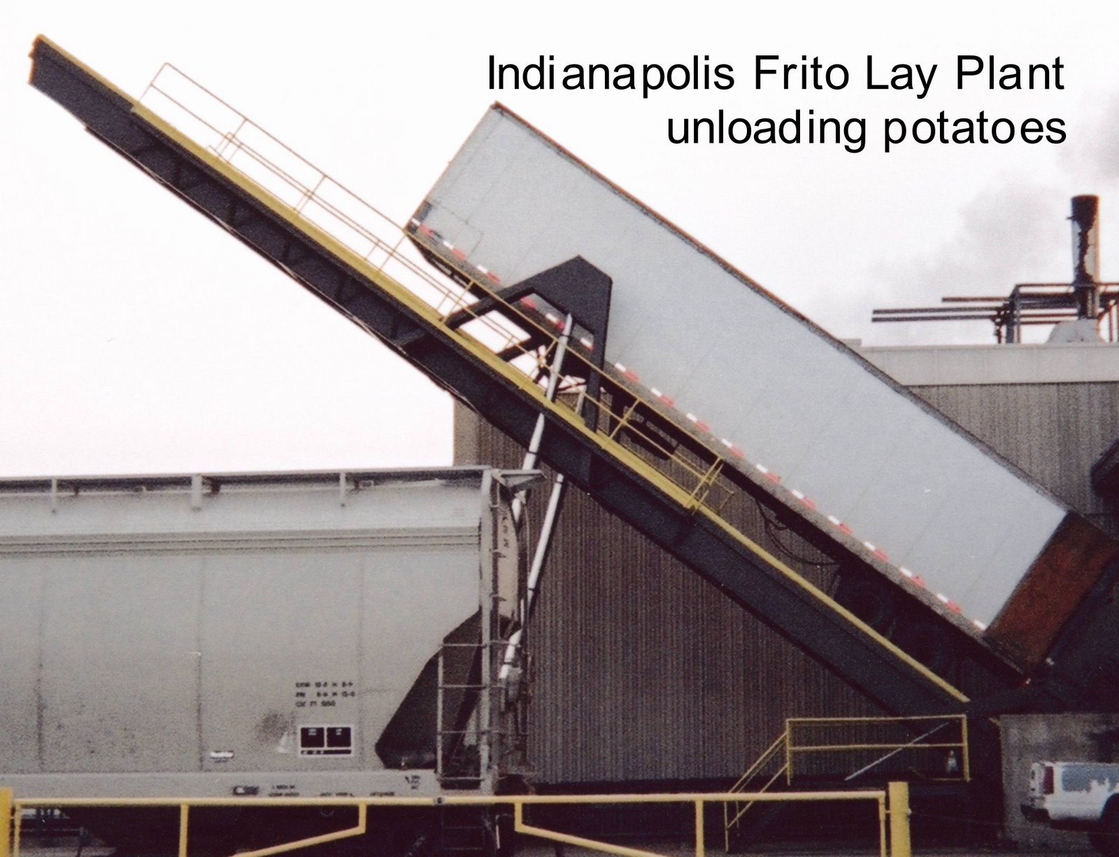 i work in a factory that makes lays potato chips along like this