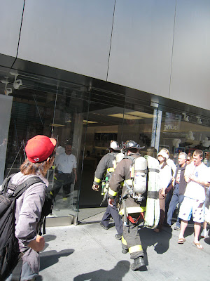 Firefighters enter the Apple Store on 1 Stockton to make sure everything is ok