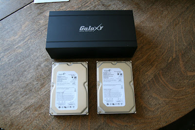 The Galaxy MGB RAID PRO NAS and the Seagate 500GB 7200 RPM SATA disk drives are out of their box and ready for the installation.