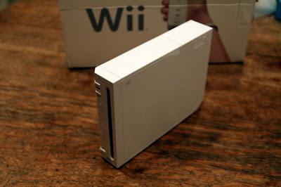 Broken Nintendo Wii Console in need of repair