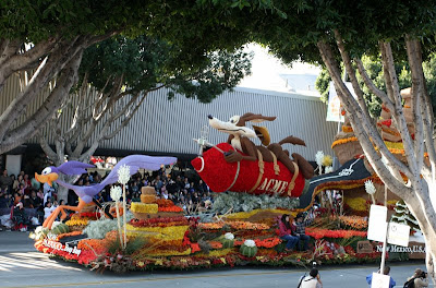 Hats off to New Mexico -- BEEP BEEP!  Just a fun looking and impressive float.