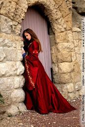 Robe de mariée médiévale : Dame Rouge
